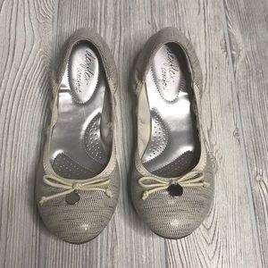Dexflex Comfort Ballet Flats White/Silver 8.5W
